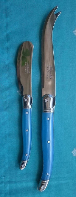 Left Butter/Pate Knife Right Cheese Knife
