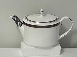 Wedgwood Vera Wang Sable Duchesse Teapot