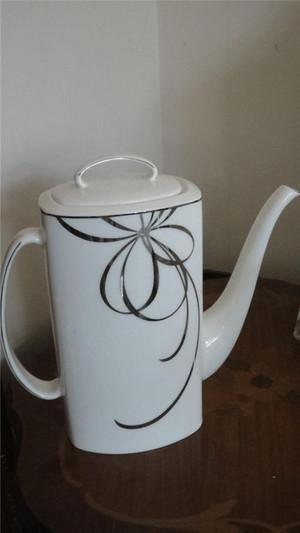 Kate Spade china, Belle Boulevard, Platinum Coffeepot,  New  tea Service.