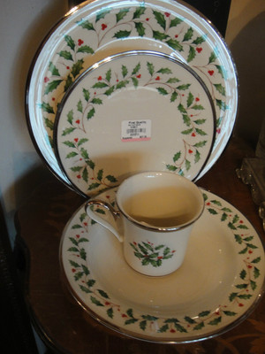 Lenox Holiday Ivory Platinum Christmas China With Soup Bowl & Mug