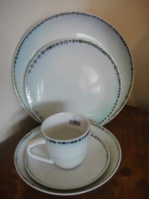 Sasaki Jazz 5pc Place Setting Porcelain China by Paula Zanger
