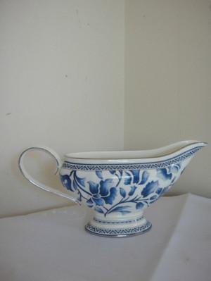 """Richard Ginori Blue """" Jasmine"""" Sauceboat Bone China New"""