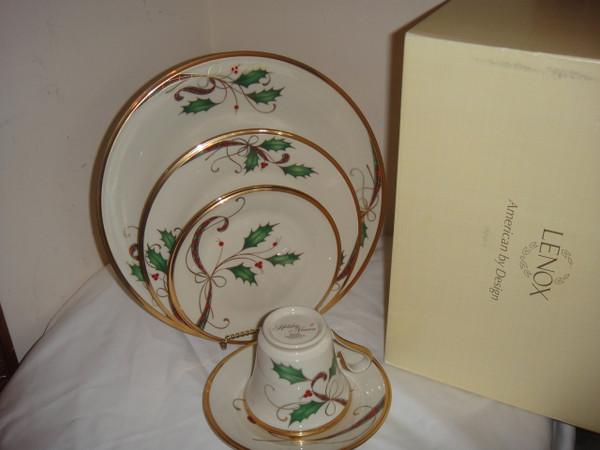 Lenox Holiday Nouveau Gold 42pc Set Christmas Bone China Set For 8