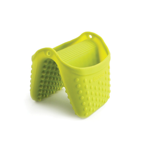• Designed to safely protect all sides of your hand • Great for removing hot plates from oven • Fits either hand • Patented raised nibs dissipate heat • Dishwasher-safe • Stands on tips for easy slip on access