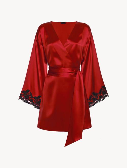 Robe de chambre courte en satin de soie rouge avec broderie en guipure « frastaglio »