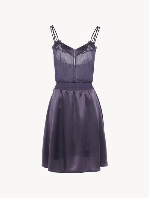 Chemise de nuit en satin de soie violet avec tulle brodé
