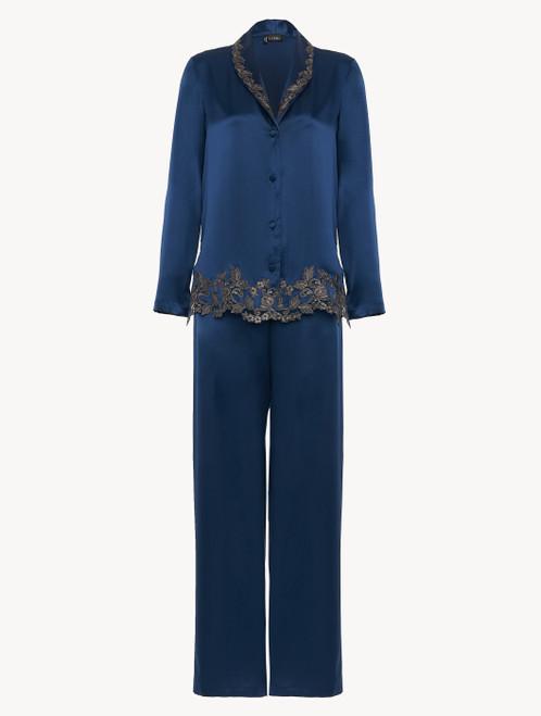 Pyjama en soie bleu foncé rehaussée d'une broderie en guipure «frastaglio»