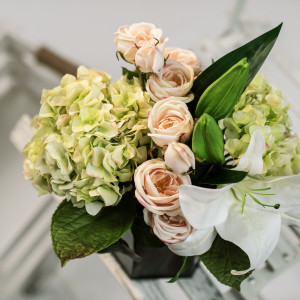 "Gorgeous faux-flowers that will ""fool"" anyone!"