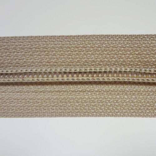 #4.5 Coil Zipper Chain - Beige - Close Up
