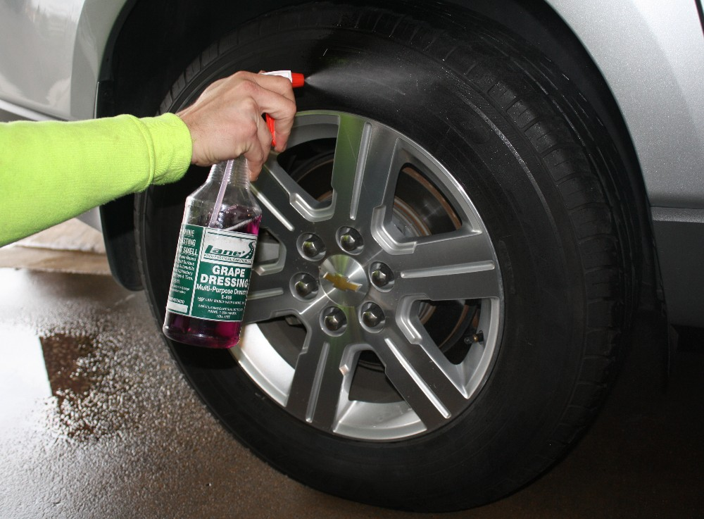 Spray Tire Dressing
