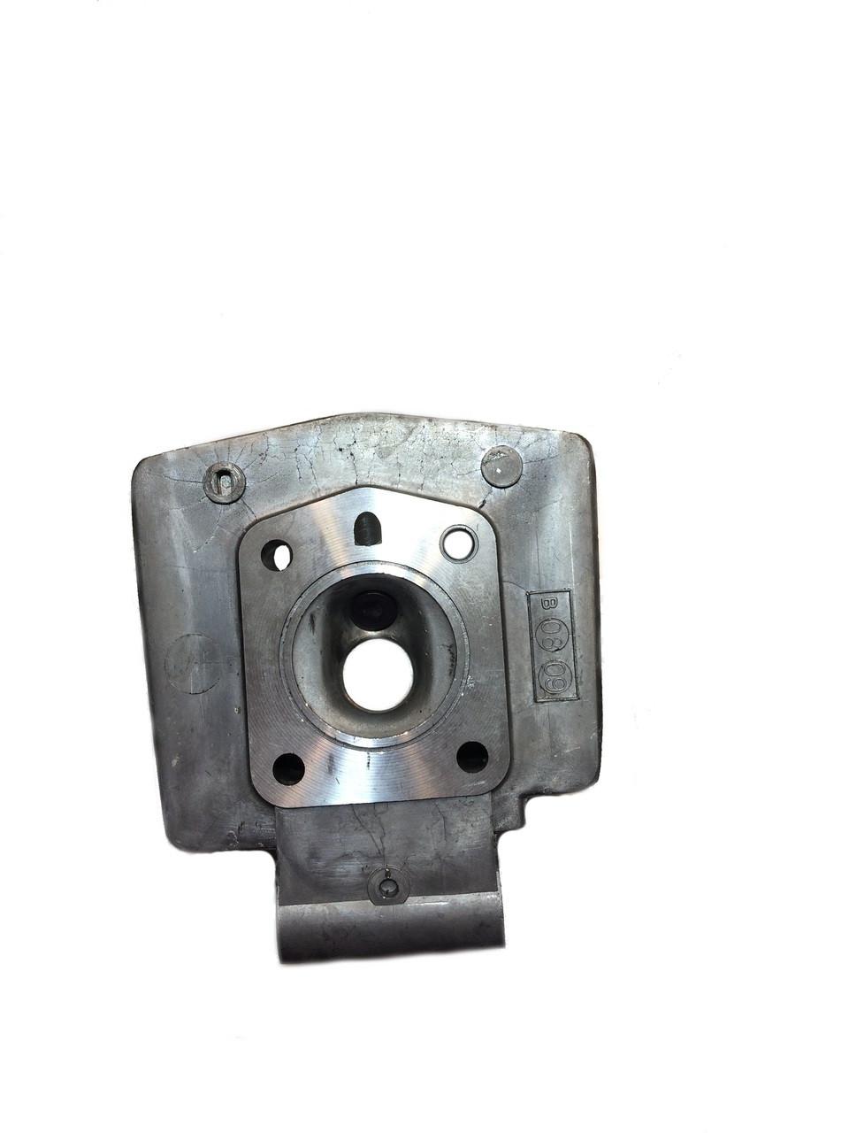 Motobecane AV10 50cc Cylinder Head W Decomp