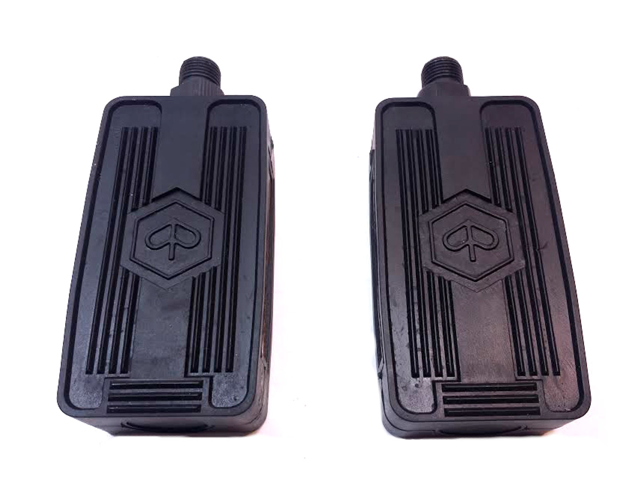 Moped Pedal Set, Vespa / Piaggio style - With Logo