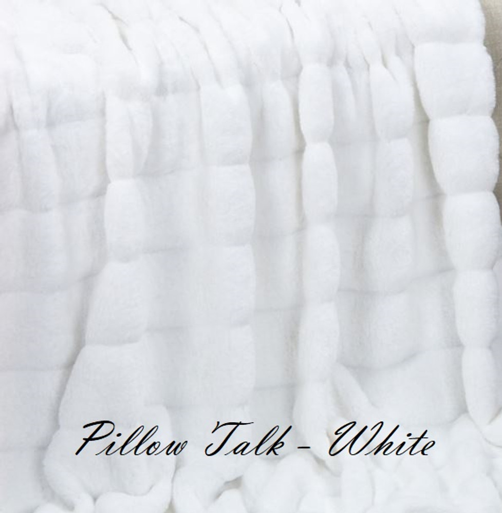 "A 33""x53"" Chinchilla Snow White Blanket, w/DIVINE fabric*DEAL"