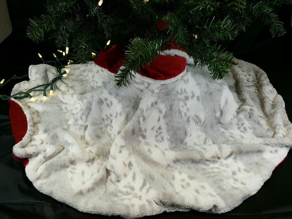 Tree Skirt & Family Heirloom