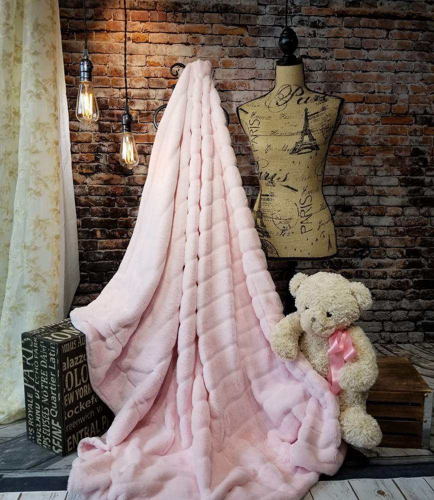 A Plush Pink Champagne Minky Travel Blanket, w/Handle *DEAL
