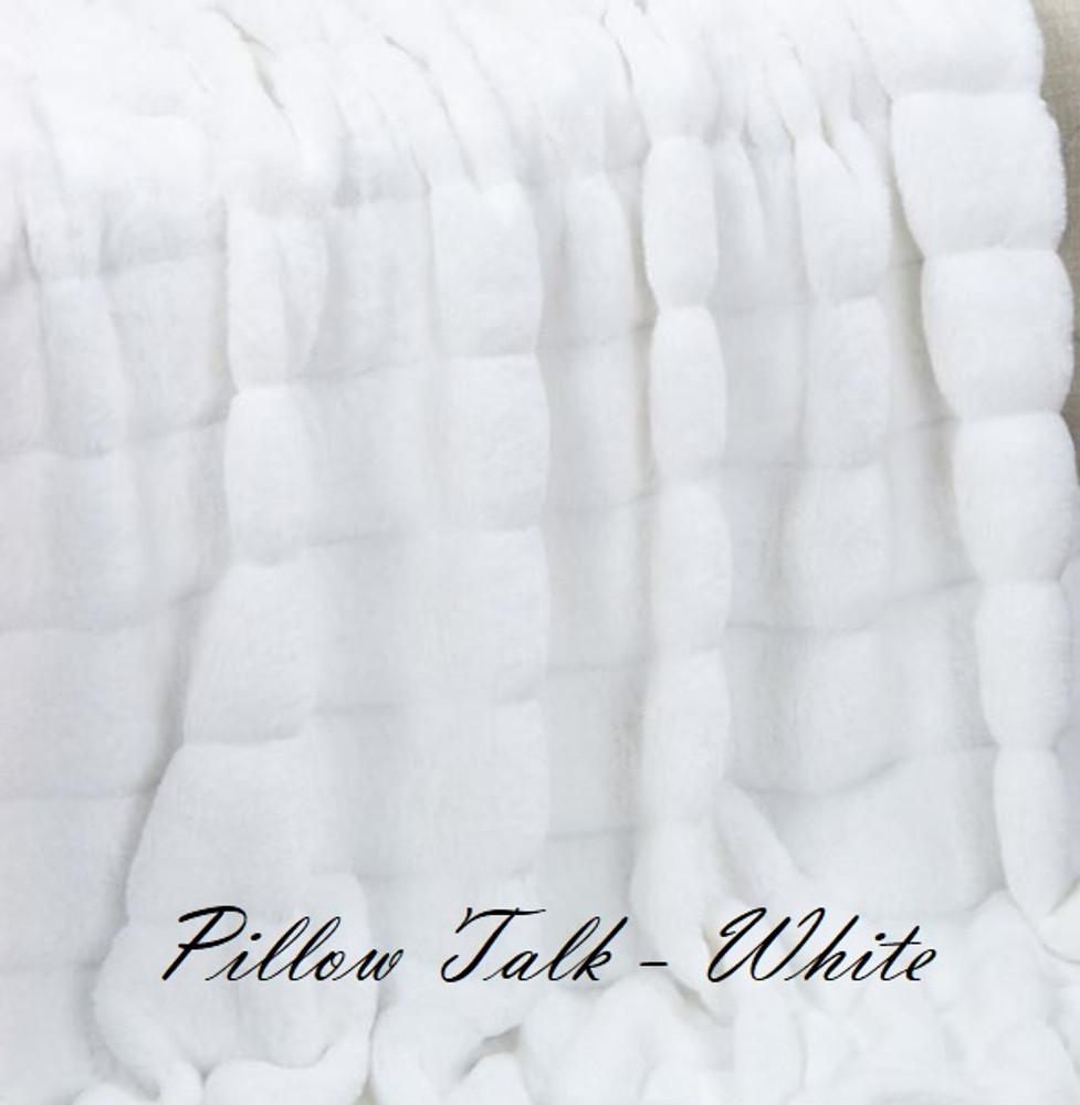 "A 42""x51"" Chinchilla Snow White Blanket, w/DIVINE fabric*DEAL"