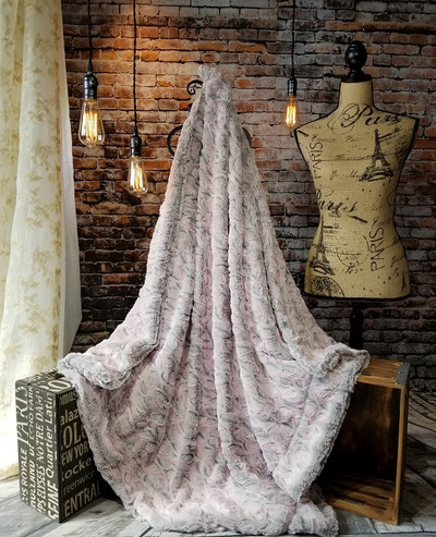 "A Silver & Frosted Pink 50""x60"" Blanket, w/DIVINE Fabric *DEAL"