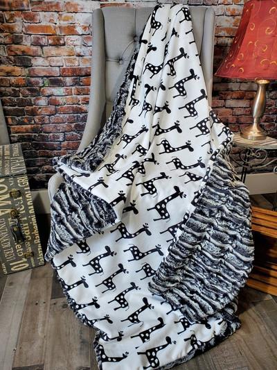"""A 27""""x52"""" Giraffe Blanket w/De-Ville on the back *DEAL"""