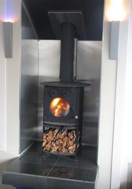 Warmington Studio Oh-Ah freestanding wood burner