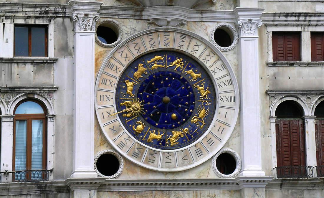 st mark's clock