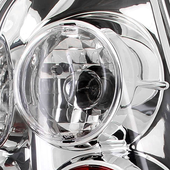 2003-2005 Toyota 4Runner Tail Lights (Chrome Housing/Clear Lens)