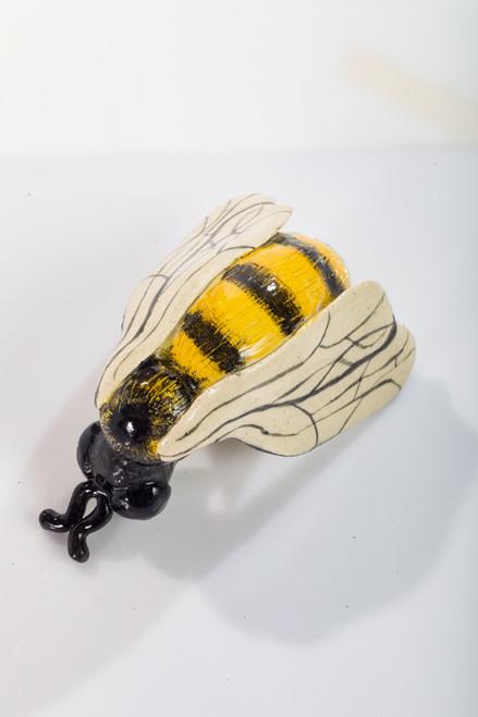 Worker Bee 2 by Lisa Hoelzl - HOL.016