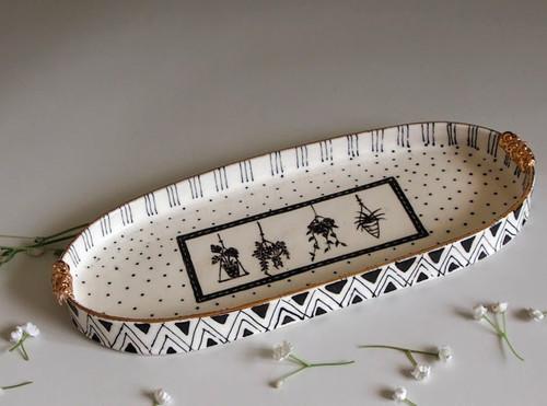 Oval Plate Hanging Plants by Helen Shin - SHH.014