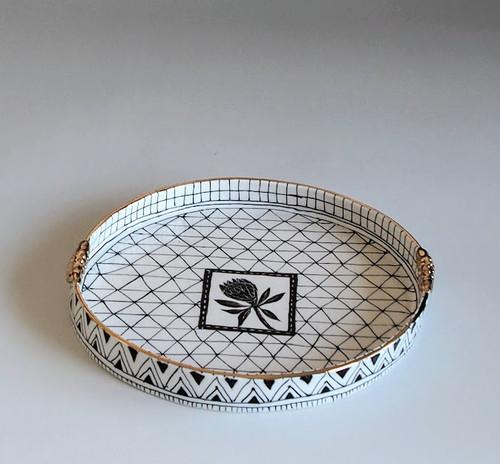 Round Plate Flower by Helen Shin - SHH.004