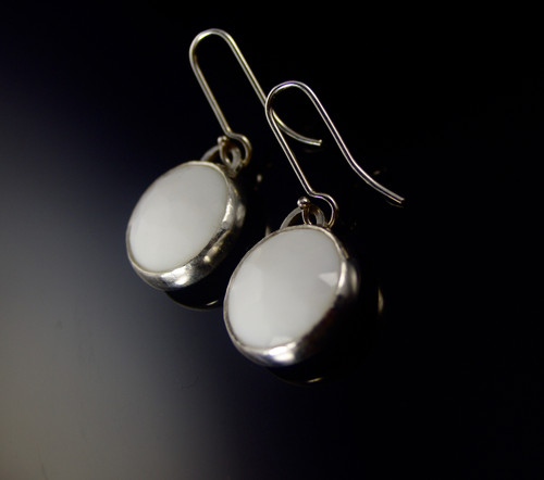 Vintage Facetted White Glass Earrings Round by Tracy Hopkirk - HOT.024