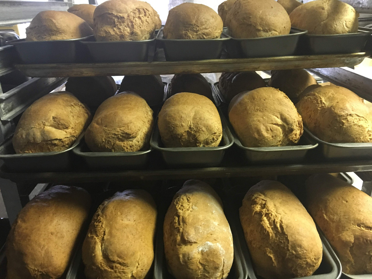 If you love the versatility of our White French Loaf from Gluten Free Things, check out the huge savings you get by buying in bulk.   Gift packs such as our Bread Basket and Essentials Bread Kit mean each loaf is only $4.00.