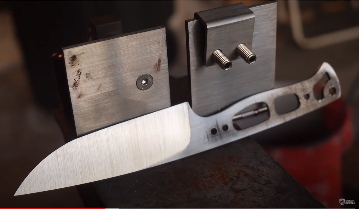 How To Grind A Blade Using A Bevel Jig?