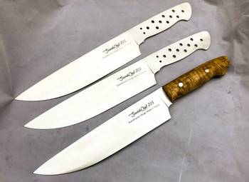 Showing how the completed knife looks if selecting Curly Birch Handle Scales and Stainless Steel bolts.
