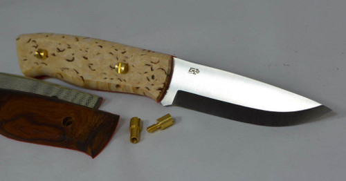This photo shows the handle scales and corby bolts included in this kit but with a slightly shorter blade at 95 mm. There is also a brown leather sheath included.