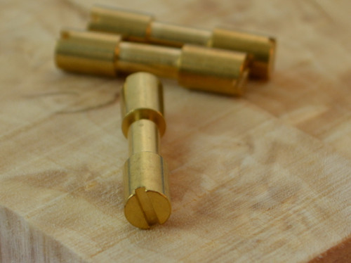 10 x brass corby bolts are included.