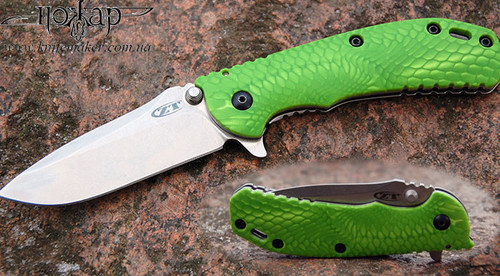 Example of a knife with Juma Green Mamba handle scales, photo from the Internet