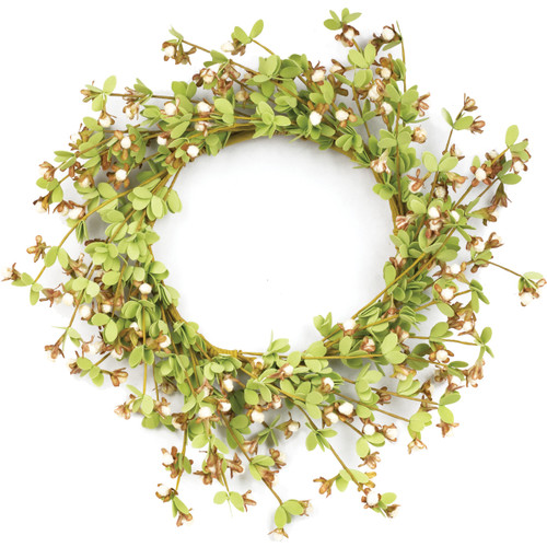 Large Spring Boxwood With Cream Berry Ring