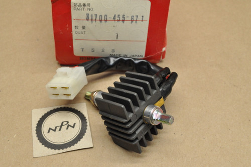 NOS Honda CB350 K0-K4 CB350G CB450 K1-K7 CL350 K0-K5 CL450 K2-K6 XL175 K0-K2 Voltage Rectifier Assembly 31700-455-671