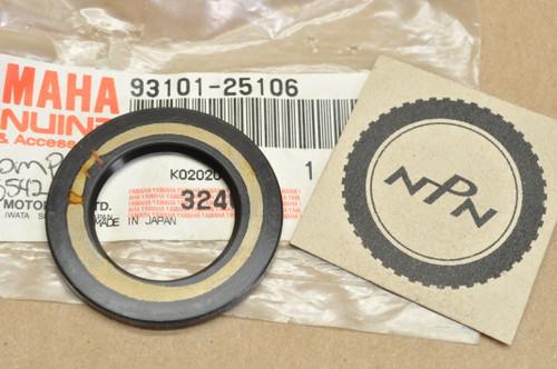 NOS Yamaha BW350 TT225 TT350 TT600 SRX250 SRX600 YFM250 YFM350 YFP350 YFU1 XT250 XT350 XT550 XT600 Oil Seal 93101-25106