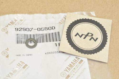 NOS Yamaha BW80 FJ1100 FJ600 PW80 SRX250 SRX600 TT600 VMX12 XT600 XV920 XZ550 YFM200 YTM225 YX600 Washer 92907-05600