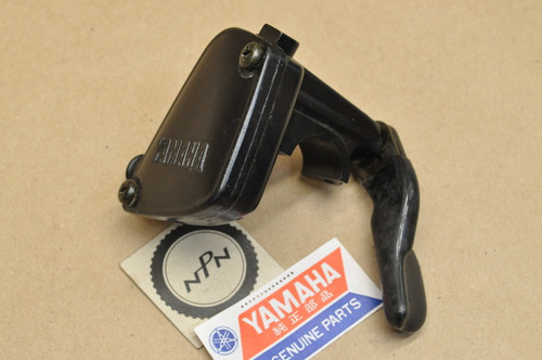 NOS Yamaha 1985 YFM200 Moto-4 1983-85 YTM200 1984 YTM225 Tri-Moto Throttle Lever Housing Assembly 21V-26250-01