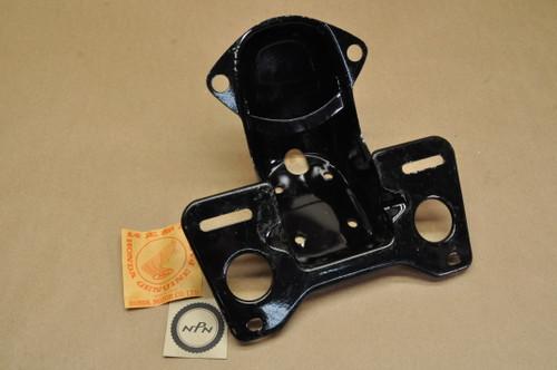 NOS Honda CB125 S CL100 S CL125 S Tail Light License Plate Mount Bracket 84700-324-670 B