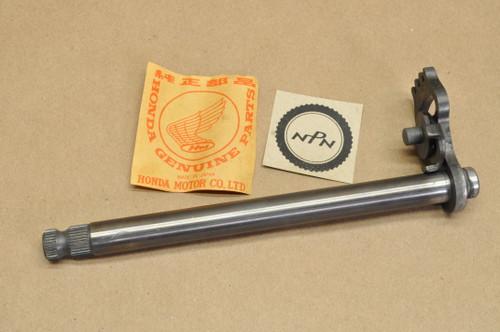 NOS Honda CR125 M MR175 MT125 R Elsinore Gear Shift Spindle Shaft 24610-360-010