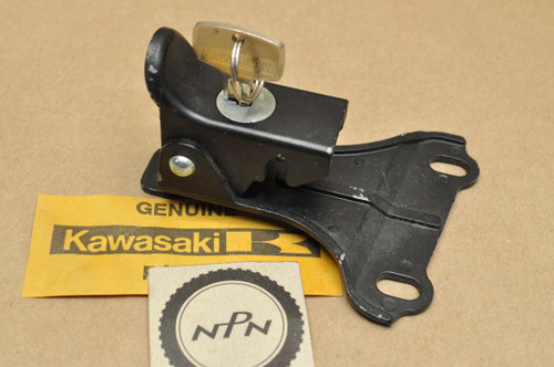 NOS Kawasaki 1969-75 H1 Mach III 1976 KH500 Seat Lock with Key #276 53045-004