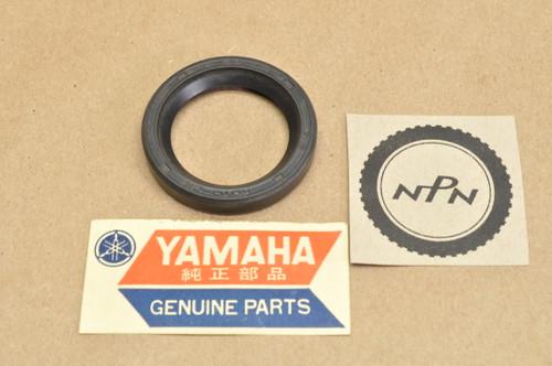 NOS Yamaha XJ650 XJ700 XJ750 XS850 XS1100 XV535 XV700 XV750 XVZ12 XVZ13 XZ550 Oil Seal 93101-30084