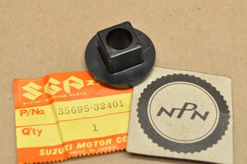 NOS Suzuki GN250 GN400 GS300 GS450 GS650 GS850 SP370 Turn Signal Spacer 35695-32401