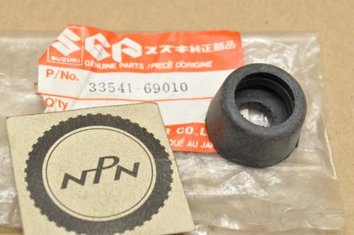 NOS Suzuki GS1000 GS750 GT500 T500 TC185 TM400 TS250 TS75 Spark Plug Seal 33541-69010