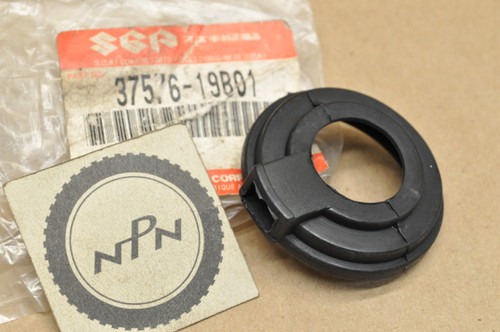 NOS Suzuki LT-4 LT-F160 LT-F250 LT-F4 LT160 LT230 LT300 Rubber Choke Cover 37576-19B01