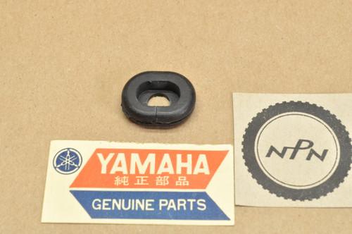 NOS Yamaha DT250 DT360 DT400 FZX700 TX650 XJ650 XJ700 XS500 XS650 Grommet 90480-15061