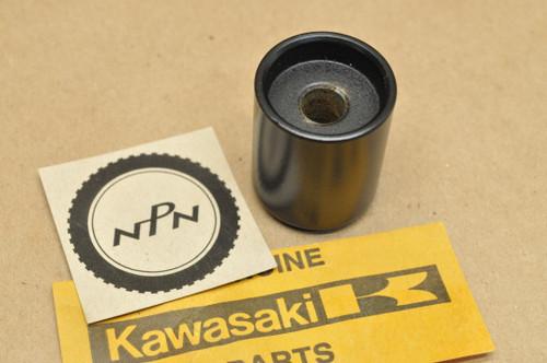 NOS Kawasaki EX250 EX500 ZX600 ZX750 ZX900 Handle Bar Cap Weight 13042-1069