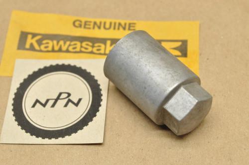 NOS Kawasaki KZ1000 KZ750 ZL600 ZN1100 ZR750 ZX1100 ZX750 Tensioner Cap 92015-1100